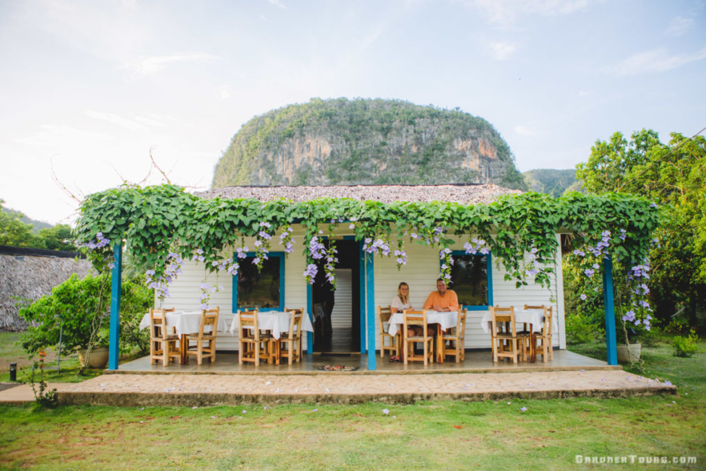 Top 15 Tips for Traveling to Cuba – Viñales Valley Tour